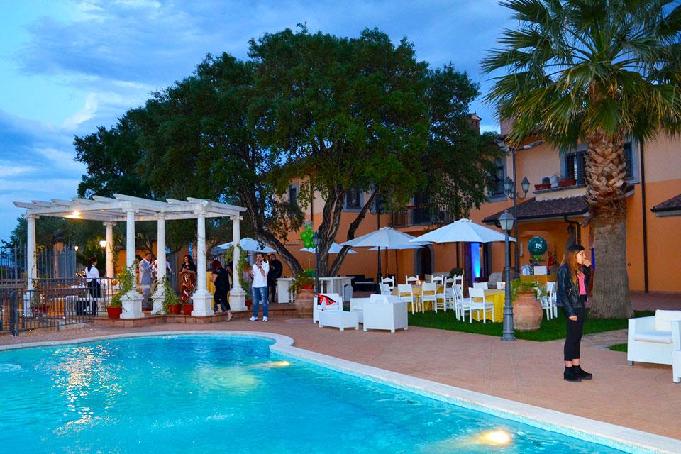 Festa in piscina a roma scopri la location dei tuoi sogni for Piscina roma